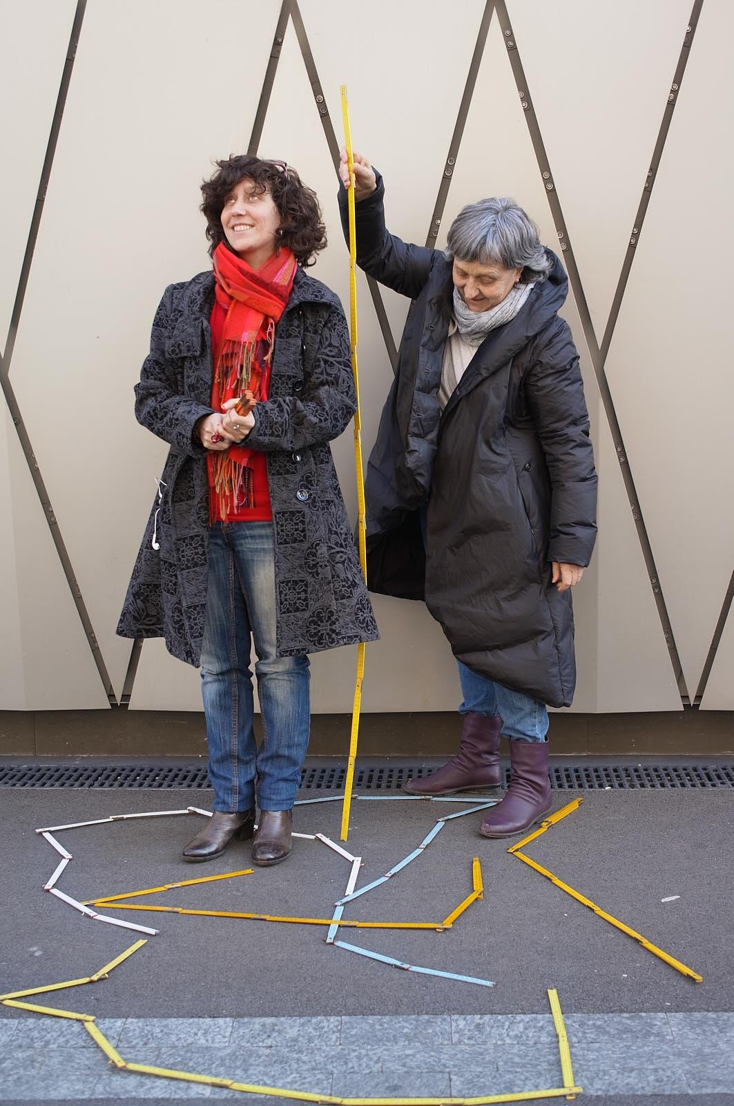 """Equipe à l'initiative du projetpilote """"Tu m'as vu?"""" Catherine Froidevaux (à droite) et Carole-lyne Klay"""